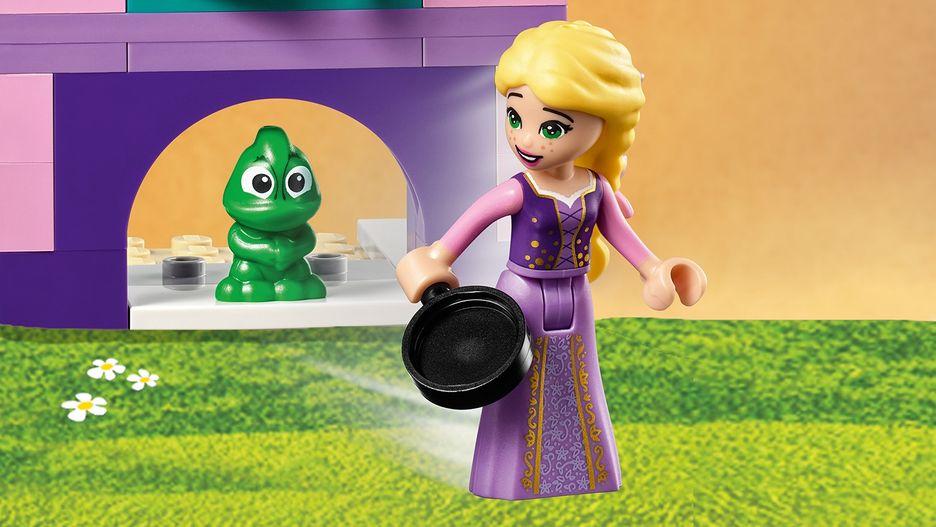 Rapunzel S Castle Bedroom 41156 Lego Disney Sets Lego Com For Kids Us