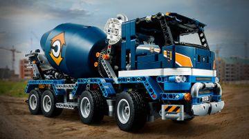 42112 - Concrete Mixer Truck