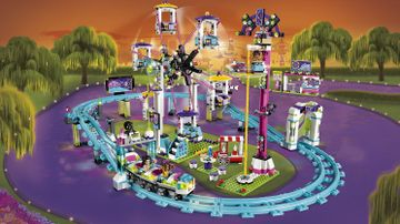LEGO Friends - 41130 Amusement Park Roller Coast - Take a ride in the roller coaster, the ferris wheel or the spinning drop tower at the amusement park!