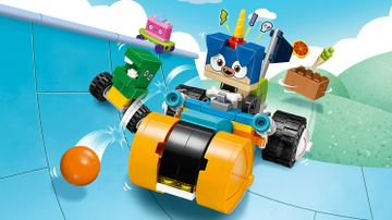 LEGO Unikitty - 41452 Prince Puppycorn Trike - Speed through Unikingdom on this Trike in high speed with friends Dino dude and Kick Flip while you shoot with sparkle matter.