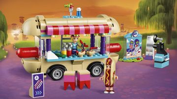 41129  Amusement Park Hot Dog Van