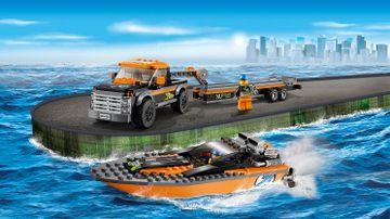 60085 4x4 with Powerboat
