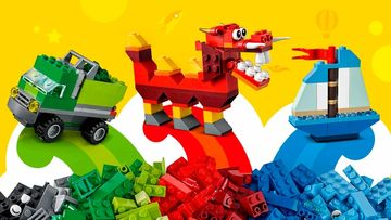 LEGO Classic Creative Box - 10704 - Use a mix of green, red and blue bricks to build a garbage truck, a dragon or a ship.