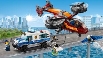 La police et le vol de diamant