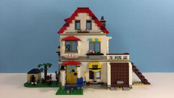 LEGO Creator 3in1 31069 Modular Family Villa Christmas LEGO Life Building Challenge