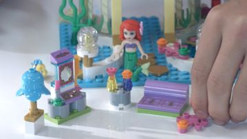 LEGO® Disney Princess video Skapa och bygg igen: Ariels undervattenspalats