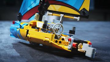 Sail away! –  Racing Yacht – LEGO® Technic – 42074