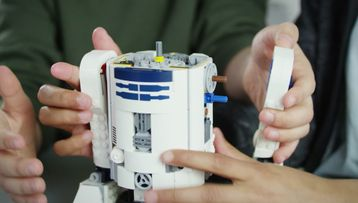 How to code the R2-D2 droid