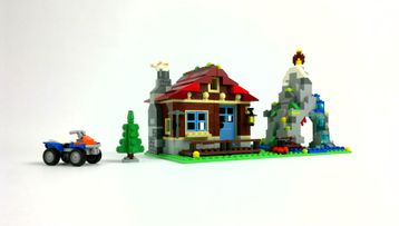 Rebrick Mountain Hut goes Castle