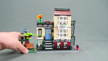 LEGO® Creator Park Street Townhouse Tips & Tricks!