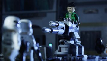 Kaz and the TIE fighter - LEGO® Star Wars™ Battle Story