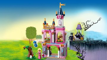 LEGO Disney - 41152 Sleeping Beauty's Fairytale Castle -  Build the castle for Disney Princess Aurora with her friends the good fairy Merryweather and a little bunny. But be ware! Maleficient is nearby.