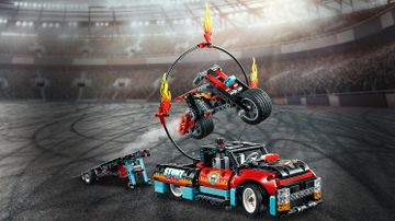 42106 - Stunt Show Truck and Bike
