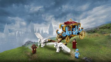 75958 - Beauxbatons Carriage Arrival at Hogwarts
