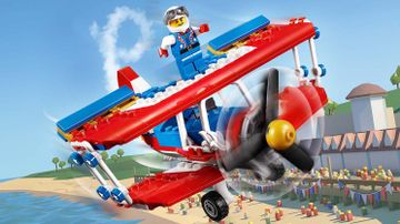 LEGO Creator 3-in-1 Daredevil Stunt Plane - 31076 - A daredevil is standing on the top wing of a flying stunt plane!
