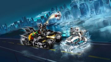 76118 Mr Freeze Batcycle Battle