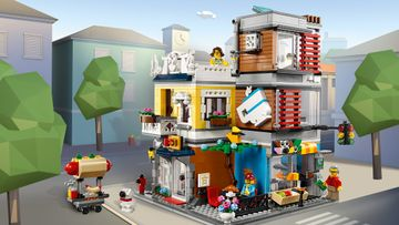 Run your own LEGO® Creator 3in1 Townhouse Pet Shop & Café!