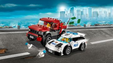 LEGO City pickup truck and police supercar – Police Pursuit 60128