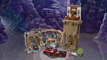 76052 Batman Classic TV Series Batcave