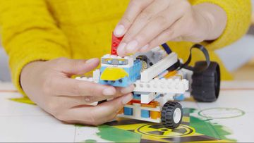 LEGO® BOOST How-To Video: Using The Creative Canvas