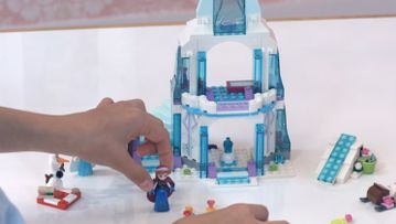 Create and Rebuild Elsas Sparkling Ice Castle