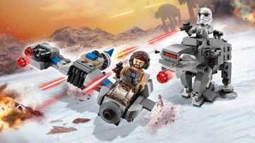 Microfighters: Ski Speeder™ vs. Caminante de la Primera Orden