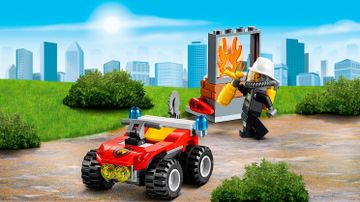 LEGO City firefighter minifigure putting out fire – Fire ATV 60105