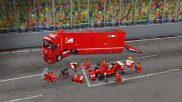F14 T et son camion scuderia Ferrari