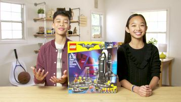 LEGO® Batman Movie: The Bat Space Shuttle Unboxing - The Build Zone
